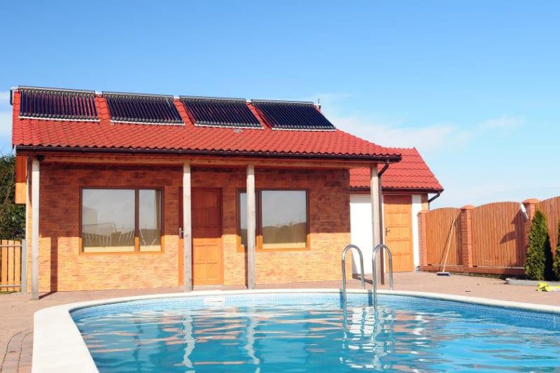 zonnecollector zwembad met zonneboiler
