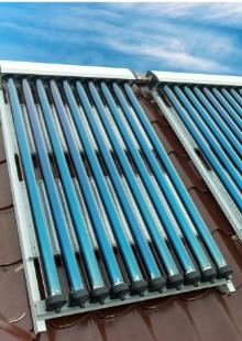 zonnecollectoren hellend dak